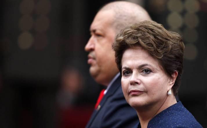 A presidente Dilma Rousseff é recebida pelo presidente da Venezuela, no Palácio Miraflores, em Caracas