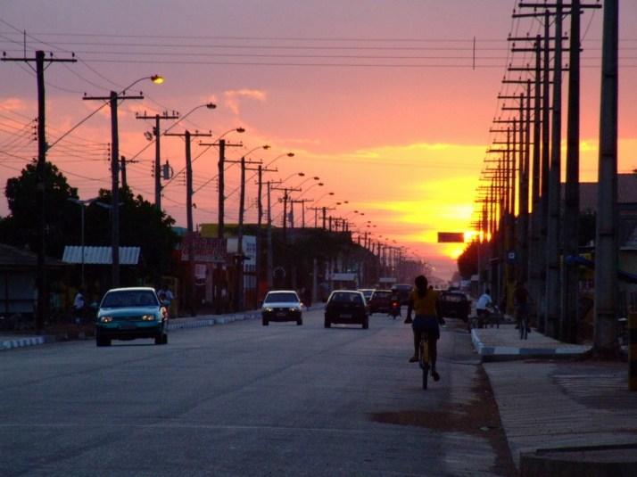 Pôr-do-Sol na Av. Ataide Teive (foto: Marcelo Seixas)