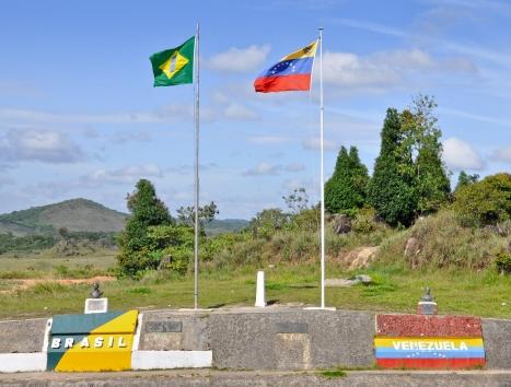 Fronteira Brasil (Pacaraima) / Venezuela (Santa Elena de Uairén)