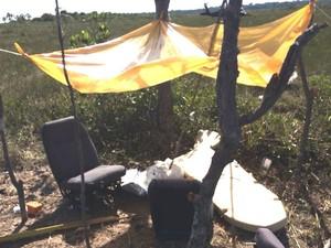 Passageiros do avião teriam improvisado um acampamento na selva (Foto: Divulgação/FAB)